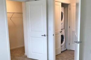 Closet & Laundry